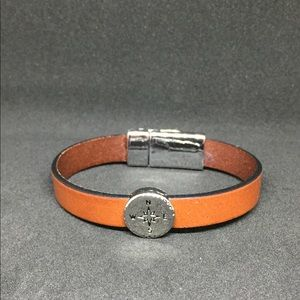 "Jewelry - 7.5"" Leather Compass Bracelet w/ Magnetic Clasp"